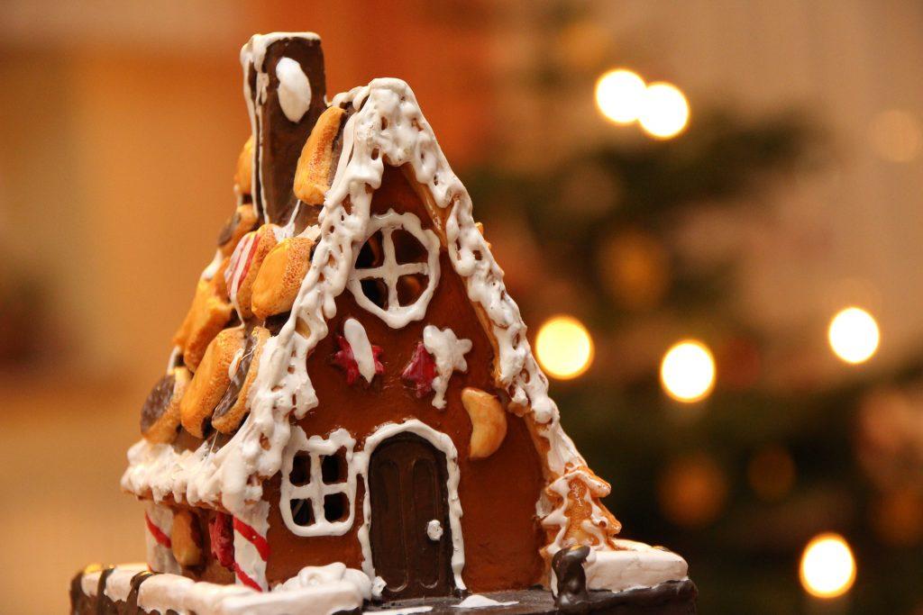 Božična hišica iz medenjakov