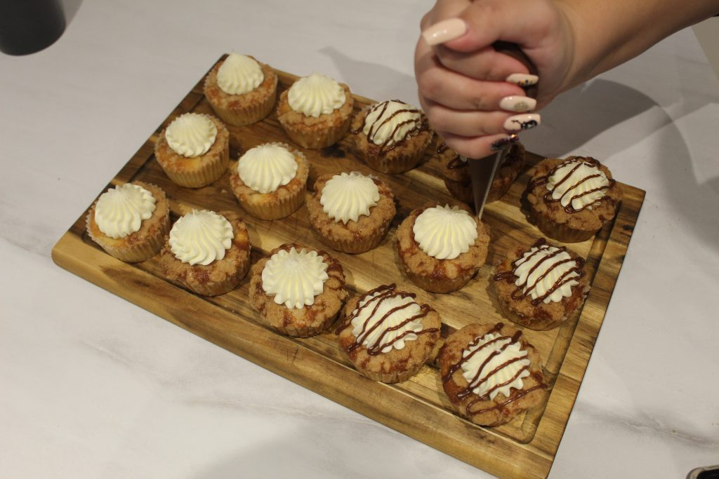 Po cupcake-ih lahko poljubno še posujemo sladkor, potem pa z njimi uživamo v zimskih dneh