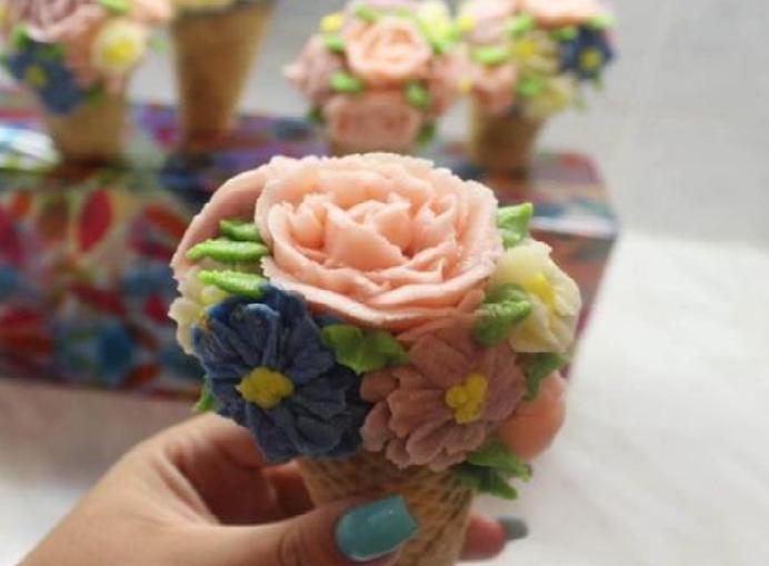 Izziv #MojPIškot: V Anini kuhinji nastajajo torte, piškoti in sladice vseh vrst